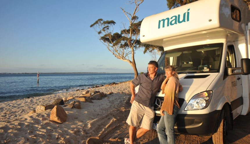 maui-beach-au-australia-image-couple-exterior-coastal-beach-ocean-scenic